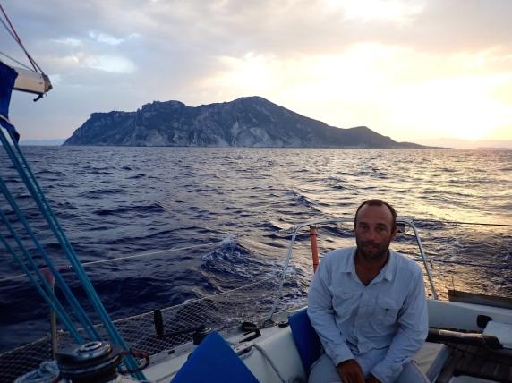 Départ d'Othoni à l'aube... Cap sur l'Italie !
